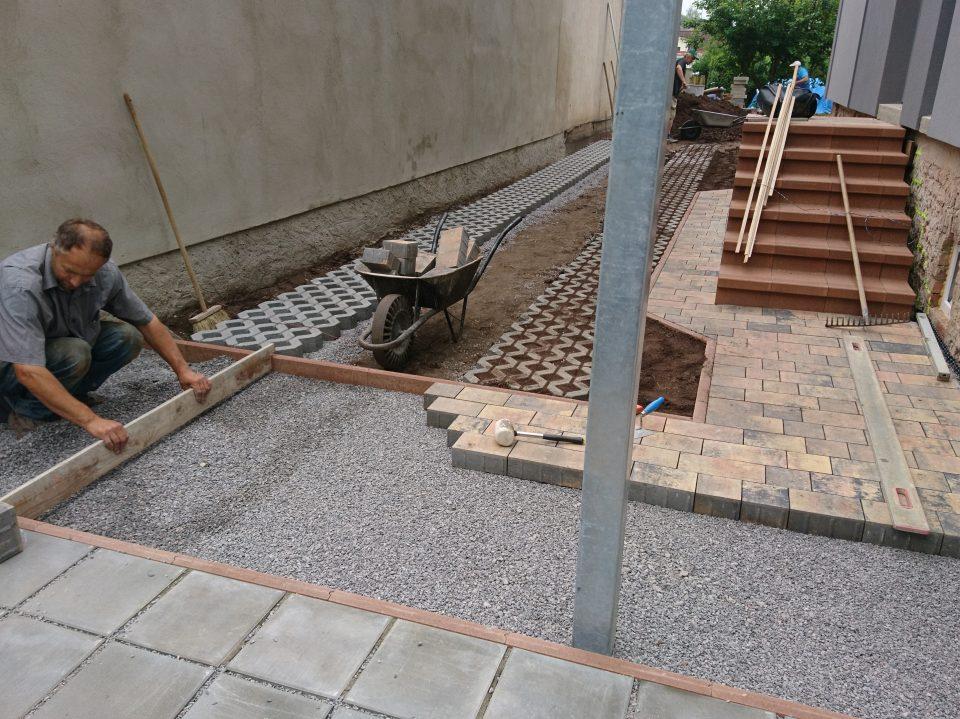 Komunikace k RD v Českém Brodě 2018