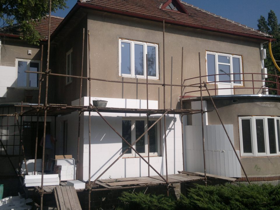 Rekonstrukce RD v Kostelci n.Č.Lesy 2011